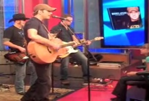 Rodney Atkins Plays on Fox and Friends